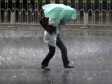 Romania, lovita de un ciclon puternic. A facut ravagii si in Germania