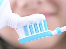 pasta de dinti