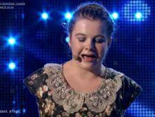 Cel mai impresionant moment de la Romanii au talent: fetita faraa maini, care canta la pian dumnezeieste