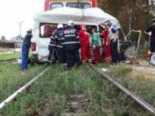 Microbuz cu pasageri, lovit de un tren in aceasta dimineata! ISU in alerta