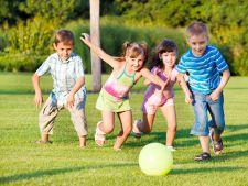 Parerea medicului pediatru: ce invata copiii prin joaca