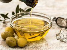 Folosesti ulei de masline la gatit? Doua greseli pe care nu trebuie sa le mai faci