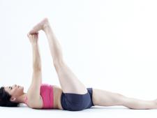 5 posturi de Yoga care inlatura durerea cauzata de sciatica in 15 minute