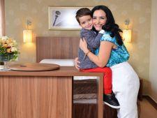 Fotografie emotionanta cu fiul Magdei Vasiliu, in spitalul in care este tratat de cancer. Ti se face pielea gaina
