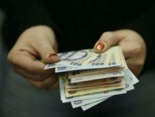 LEGE: Patronii, obligati sa plateasca al 13-lea si al 14-lea salariu