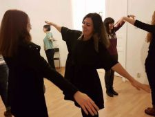 Cum poti sa te dezvolti continuu si armonios prin actorie? Afla de la actrita Smaranda Caragea!