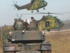 448291 0810 tancuri si elicoptere