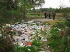 Rromi expulzati in Franta dintr-un adapost pentru caini