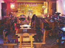 Coyote Cafe: karaoke si zbantuiala cu band-ul Carcotasilor