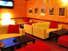 Dolce Cafe - bar si lounge cu iz de cartier in centrul vechi