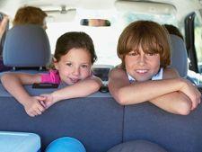 Cum sa ii tii pe copii ocupati in timpul unei calatorii de lunga durata