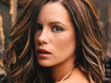 Kate Beckinsale si Mark Wahlberg - duo delincvent in
