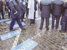 466471 0811 politisti protest