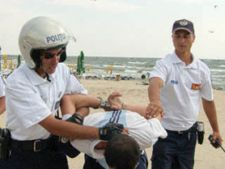politist-plaja