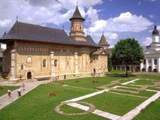 Cum sa planifici un circuit la manastirile din Moldova