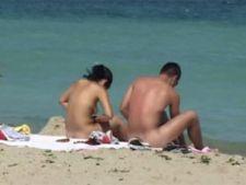 Nudistii nu-si gasesc locul pe litoral
