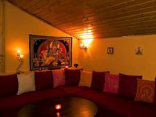 Veda Lounge - Buddha bar, ceai si mult rosu