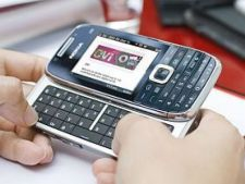 Nokia-E75-mare-A