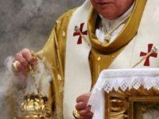 472774 0811 papa benedict