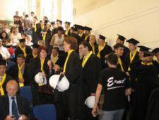 Studiile post-universitare, un punct in plus la angajare sau salariu?