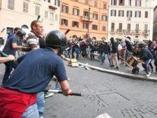 454076 0810 proteste studenti Italia