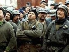 Sute de mineri, in drum spre Capitala! Vin pe jos!