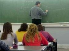 466413 0811 profesor33