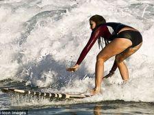 568132 0812 elle surf