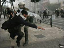 527738 0812 violente grecia