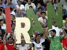 Cine e anti-Ahmadinejad, este dat afara din fotbal