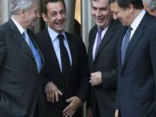 530248 0812 Sarkozy  Brown   i Barroso