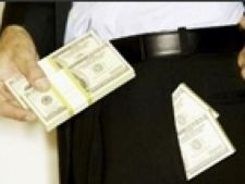 bani in buzunar
