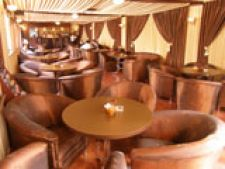 Caffe Tabiet - relaxare si wireless la terasa de pe Avrig