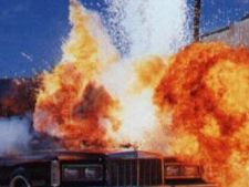 454150 0810 explozie masina