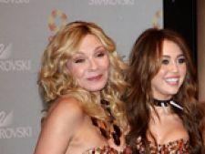 Miley Cyrus si Kim Cattral