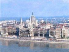 433658 0810 parlament storbild