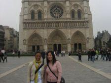 Chinezi la Notre Dame