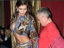 Monica Gabor si-a etalat silicoanele si burta la Shakira