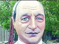 Statuie Basescu